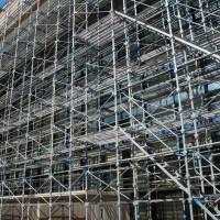 株式会社BRAST(ブラスト)/ 足場工事、中層物件、手摺先行足場、2013年のイメージ
